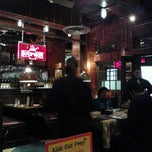 Photo taken at Uno Chicago Grill | Jersey City by SusanSaint on 10/9/2011