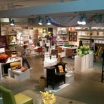 Photo taken at Crate & Barrel by Nari Y. on 9/9/2011