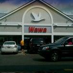 Photo taken at Wawa Food Market #8013 by Edward A W. on 7/12/2012