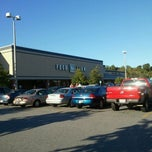 Photo taken at Food Lion Grocery Store by Marvin L. R. on 10/1/2011