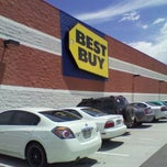 Photo taken at Best Buy by Risa H. on 7/10/2011