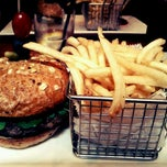 Photo taken at Westchester Burger Co. by Ethan C. on 12/21/2011