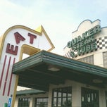Photo taken at Quaker Steak & Lube® by Brian V. on 7/3/2012