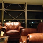 Photo taken at Wingtips Lounge by Naveen J. on 8/30/2012