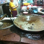 Photo taken at วัฒนาพานิช by Ton H. on 5/1/2012