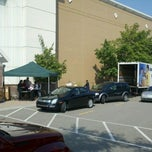Photo taken at Carson's - Laurel Park by Mark L. on 9/14/2011