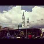 Photo taken at Masjid Alang Iskandar KDSK by Afif R. on 10/21/2011