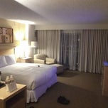 Photo taken at Hilton Los Angeles North/Glendale & Executive Meeting Center by Jonathan S. on 1/6/2012