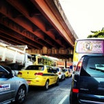Photo taken at Avenida Rodrigues Alves by Beta B. on 4/13/2012
