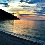 Photo taken at Batu Ferringhi Beach by Baha B. on 4/18/2012
