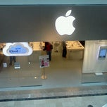 Photo taken at Apple Store, Bridgewater by Carlo M. on 2/11/2012