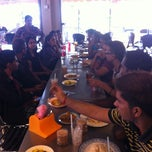 Photo taken at Restoran Taj Point by Vasan V. on 6/17/2012
