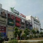 Photo taken at Tesco Hypermarket by Azmi A. on 6/18/2012
