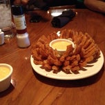 Photo taken at Outback Steakhouse by Rendell J. on 5/26/2012