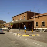 Photo taken at Stazione di Mantova by turismo i. on 5/17/2012