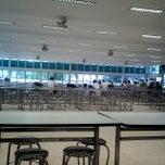 Photo taken at บาร์ใหม่ โรงอาหารกลาง 1 (KU Cafeteria 1) by Nutphira T. on 7/28/2012