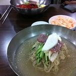 Photo taken at 을밀대 (乙密臺) by Danbi K. on 6/20/2012