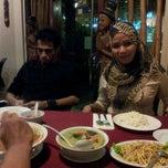 Photo taken at Restoran Sawadee 88 (Thai) by wahida A. on 3/2/2012