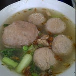Photo taken at Bakso Jawir Tanjung Duren by Yulia l. on 8/30/2012