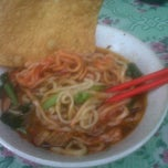 Photo taken at Mie Ayam Barokah @depan Gor Sakti Margahayu Raya by idoz i. on 4/3/2012