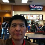 Photo taken at Popeyes Chicken & Biscuits by Panithan C. on 5/21/2012