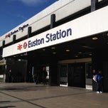 Photo taken at London Euston Railway Station (EUS) by Kaew W. on 3/5/2012