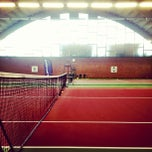 Photo taken at Kronprinsens Tennishall & Tenniscenter by Martin T. on 9/12/2012