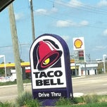 Photo taken at Taco Bell by Toshi ⚾. on 9/3/2012