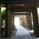 Photo taken at 銭洗弁財天宇賀福神社 by Energetic  GOD on 8/11/2012