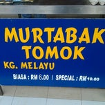 Photo taken at (Restoran Rafi) Murtabak Tomok Kg. Melayu by Maisarah on 6/16/2012