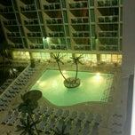 Photo taken at Captain's Quarters Resort by Billie Jean on 5/19/2012