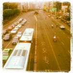 Photo taken at 三孝口天桥 by James B. on 8/3/2012