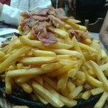 Photo taken at Pizzaria Caramboleta by Ana L. on 5/5/2012