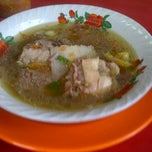 Photo taken at Warung Makan Sop Iga Sapi Bambu Kuning by Eri V. on 4/14/2012