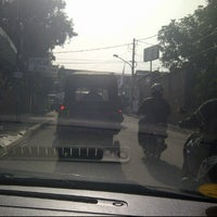 Photo taken at Jalan Haji Nawi by Bambang E Wijayanto on 2/21/2012