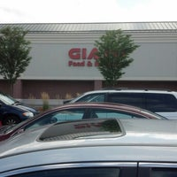 Photo taken at Giant by Reinaldo D. on 8/12/2012