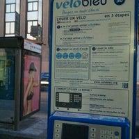 Photo taken at Vélo Bleu (Station No. 30) by Iarla B. on 3/8/2012