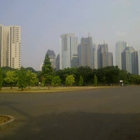 Photo taken at Parkir Timur Senayan by bang a. on 7/14/2012