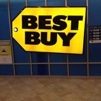 Photo taken at Best Buy by Biggz on 3/31/2012