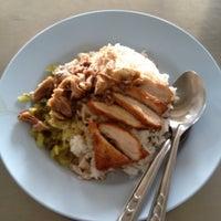 Photo taken at ร้านขาหมูรามอินทรา กม.10 by Nattawatte' B. on 5/16/2012