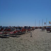 Photo taken at Bagno Stefano 105 by Samuele B. on 8/17/2011