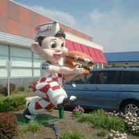 Photo taken at Frisch's Big Boy by Ayesha S. on 9/2/2011