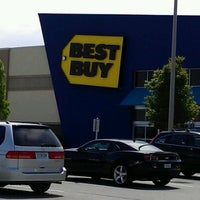 Photo taken at Best Buy by Bob T. on 4/19/2012