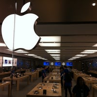Photo taken at Apple Store, Anchorage 5th Avenue Mall by John P. on 8/13/2011