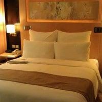 Photo taken at Le Royal Méridien Shanghai   上海世茂皇家艾美酒店 by Kevin K. on 10/24/2011