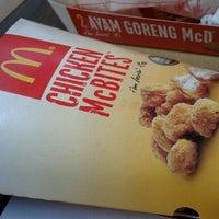 Photo taken at McDonald's by Zam T. on 11/21/2011
