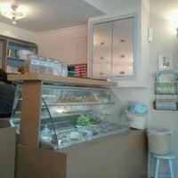 Photo taken at Montifiori Café by Inbal R. on 12/5/2011