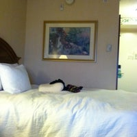 Photo taken at Hilton Garden Inn Islip/MacArthur Airport by Tiffany L. on 8/27/2011