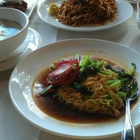 Photo taken at Peninsula Malaysian Cuisine by Wendell D. on 10/8/2011