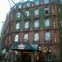 Das Foto wurde bei Le Méridien Parkhotel Frankfurt von Vladimir D. am 3/25/2012 aufgenommen